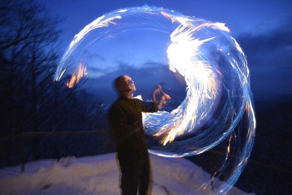 Artistisches Theater Feuer 1 // Fotograf: Herbert Dohlen